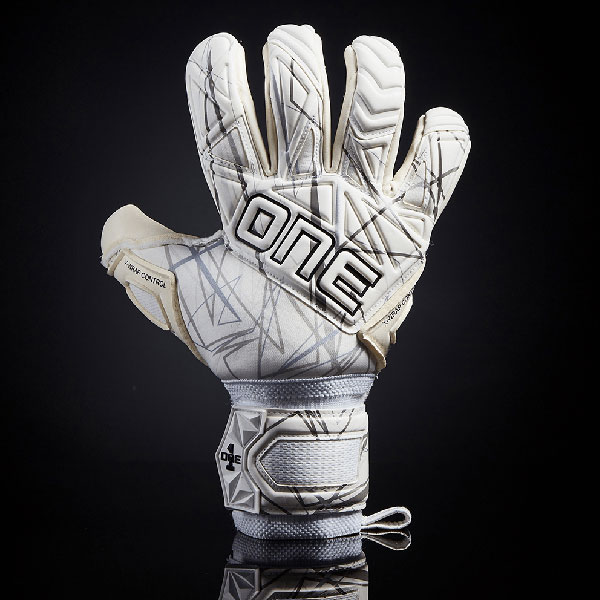 One Glove Goalkeeper SLYR LTX Strike